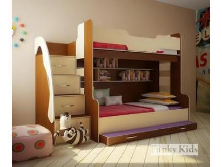 Детская комната для троих детей: дизайн для разнополых детей, трехъярусная кровать выкатная (см. фото)