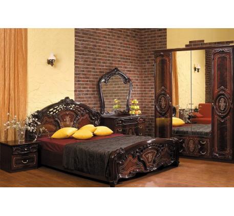 Спальня Роза (на фото): Кровать Роза 1600, Тумба прикроватная, Комод с зеркалом Роза, Шкаф 4 дверный..